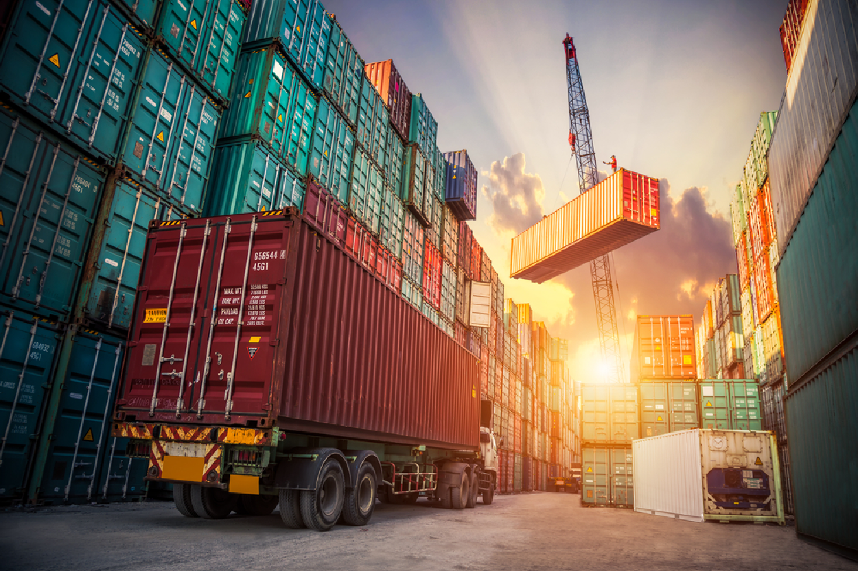Tips to Create Positive Environment in Logistics Industry